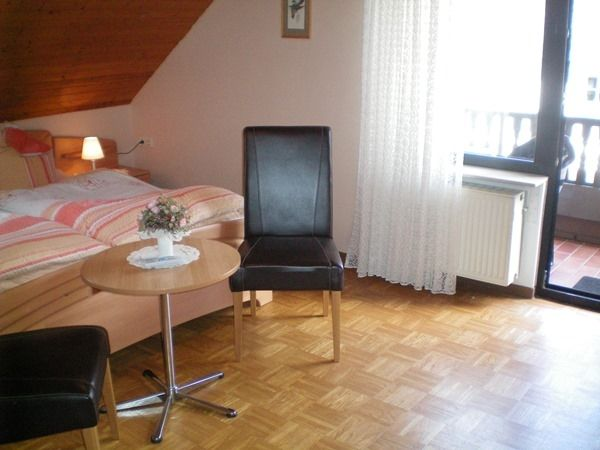 Mosel-Guesthouse Kirch by Cochem/Mosel - Apartments and Rooms
